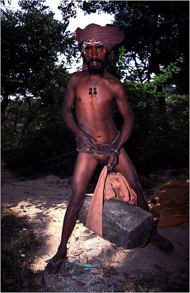 тех длинные члены в племенах фото желтом явно гей